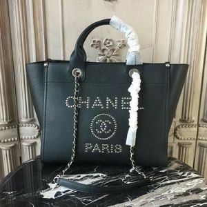 Chanel Tote handbag Check description
